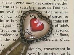 Marque page en forme de coeur rétro au coeur love