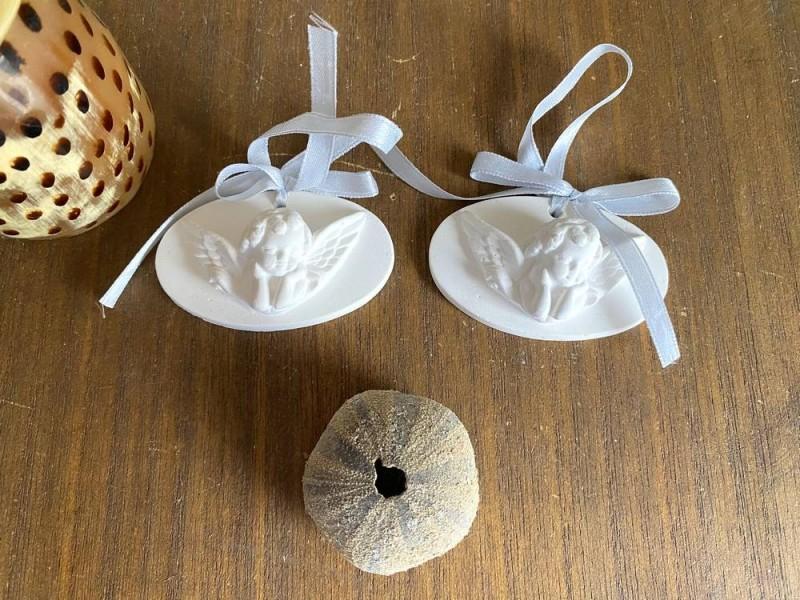 Duo d'angelots en céramique blanche