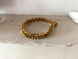 Bracelet fantaisie doré multirangs style bohème avec perles à facettes